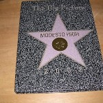 2002-MODESTO-HIGH-SCHOOL-YEARBOOK-CAHOLLYWOOD-WALK-OF-FAME-STAR-COVER-250011777284 (2002 MODESTO HIGH SCHOOL YEARBOOK, , CA/HOLLYWOOD WALK OF FAME STAR COVER)